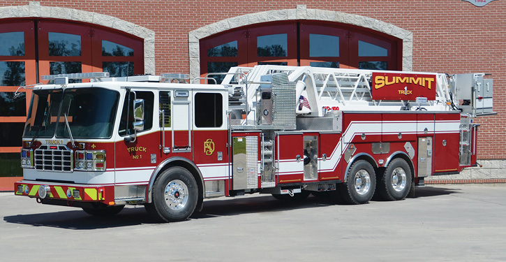 The Summit (NJ) Fire Department, a combination department, has a 100-foot straight midmount platform with a 10-foot 6-inch overall height. It carries a 40-foot extension ladder—seldom seen these days. Wildwood Crest has a similar rig; however it is a quint.