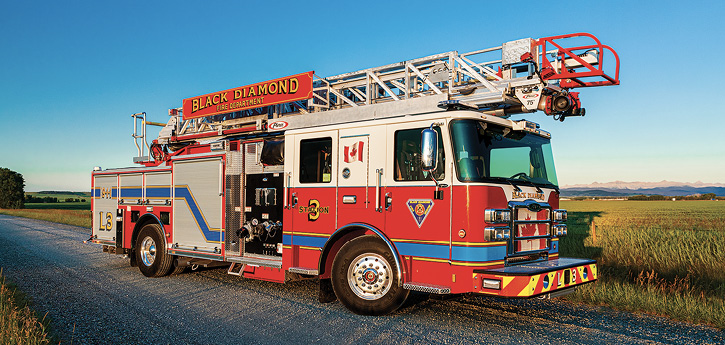 Another build for Canada is this Pierce 75-foot single-axle quint for Black Diamond Fire Rescue.