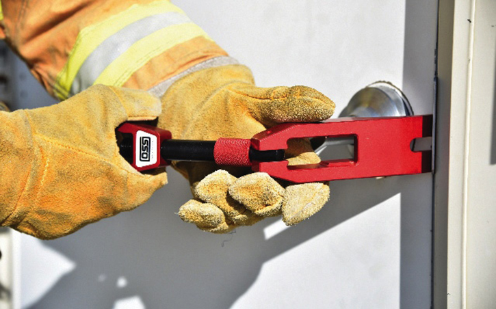 The Wellz Tool is a foldable, pocket-size device that can breach doors, block hinges, pry objects, shut off gas meters, and open hydrants while incorporating functions of a halligan.