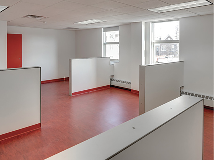 Galante designed this firefighters' dorm with cubicle walls for a renovation and expansion of the Fire Department of New York's Engine 63/Ladder 39 Station. The station has two single bunk rooms for battalion chiefs.