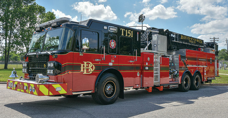 The 100-foot midmount aerial platform quint is powered by a Cummins 600-hp X15 engine with a compression brake and an Allison 4000 EVS automatic transmission with a transmission retarder.
