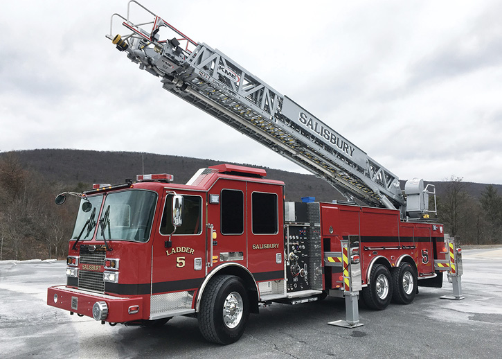 KME built this 103-foot Tuff Truck™ aerial ladder quint for the Salisbury (MA) Fire Department.